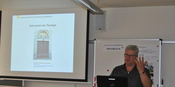 Akademiedirektor Prof. Dr. Michael Haspel referierte zu Luthers Impulsen für die Entwicklung in die Moderne. Foto: (c) Jürgen Pfau