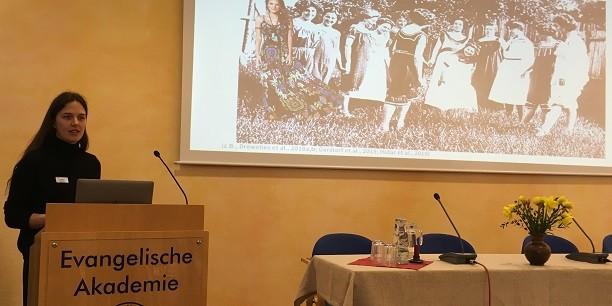 Dr. Johanna Drewelies (Humboldt-Universität Berlin) beschreibt Wege zum Glücklichsein im Alter. Foto: © Holger Lemme/EAT