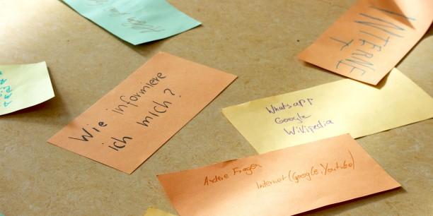 In einer ersten Gesprächsrunde wurde sich darüber ausgetauscht, wie man am besten an Informationen gelangen kann. Foto: ©Désirée Reuther/ EAT