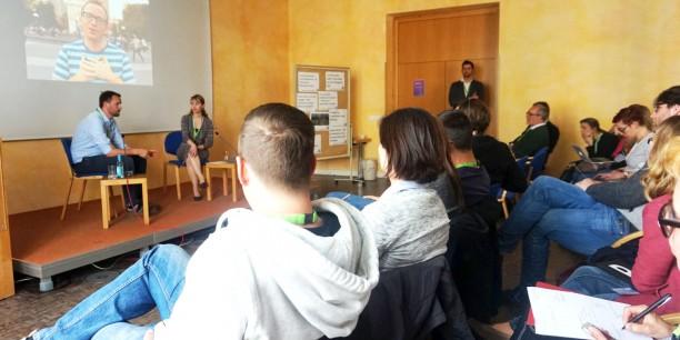 In Diskussiongruppen und offenen Workshop-Sessions widmete man sich Themen rund um Kirche, Digitalisierung und Onlinewelt. Foto: ©EAT/ Carina Rüllich
