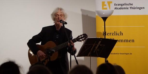 Dr. Karl-Heinz Bomberg im Konzertgespräch. Foto: © EAT