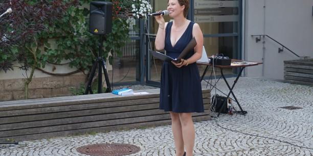 Musikalisch begleitet wurde das Sommerfest von Leni Kästner. Foto: ©Désirée Frahnow