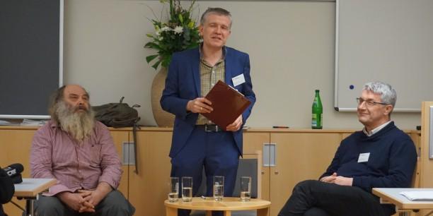 """Podiumsgespräch zu """"Demo oder Dialog?"""" mit Lothar König, Sebastian Kranich und Frank Hiddemann (v.l.n.r.). Foto: © EAT"""