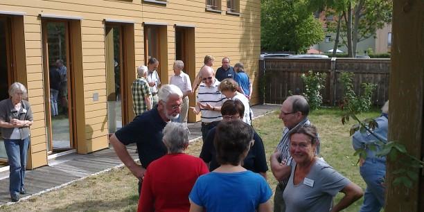 Die Mitglieder der christlichen Pfadfinder fanden im Garten des Zinzendorfhauses Zeit zum gemütlichen Beisammensein. Foto: (c) Jürgen Pfau