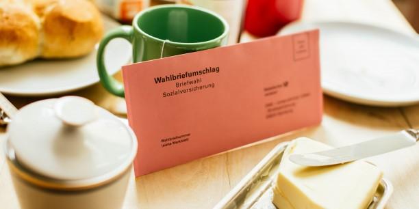 Seit gestern, dem 25. April, erhalten 51 Millionen Rentenversicherte, Rentner und Ersatzkassen-Mitglieder Post von dem Deutschen Rentenversicherung Bund, der Deutschen Rentenversicherung Saarland und den Ersatzkassen. Foto: ©Infobüro Sozialwahl