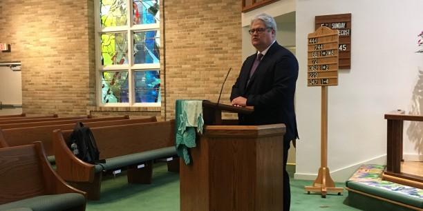 Prof. Dr. Michael Haspel beim Festgottesdienst der deutschen Ev. Gemeinde in der Emmanuel Lutheran Church in Bethesda/Washington. Foto: ©Hannah Haspel