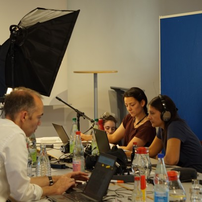 Das Organisationsteam der internationalen Sommerakademie bereitete auf Hochtouren die Online-Veranstaltungen vor. Foto: © EAT